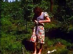 Retro - Dame wanks outdoor