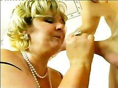Slut Mature Slamming The Shaft