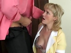 Hot mom-slut & muscular guy