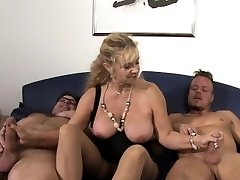 Xxx Omas - German mature gets fucked firm in threesome