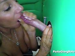 Porta Gloryhole Mature lady bj's cock in por