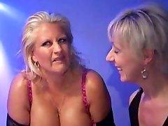 Robyn-Buxom Mass Ejaculation Mama
