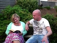 Chubby mother with big hungry vagina gets young weenie