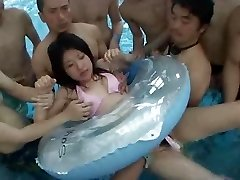 Hook-up in Public Pool