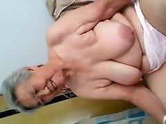 Granny Demonstrate