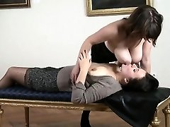 Naughty Mommy I encountered at Milfsexdating.net