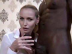 Hot-woman-cuckold-and-cumshot
