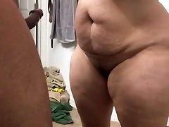 Super thick milf sucking cock