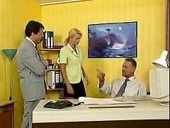 نیکولتا بلو -, منشی, سکس در دفتر