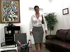 Busty Tajemník Prdeli V Kanceláři