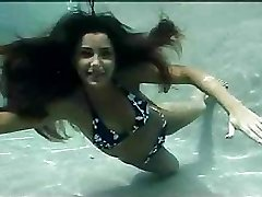 Great underwater sexual experience with nice slim brown-haired