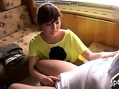 Veřejné blikající tím, playgirl odhalil velká prsa a mokré crack