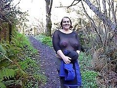 bbw celestewoodrow blikající prsa po silnici