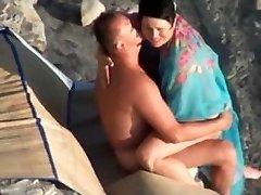 Kurva na pláži