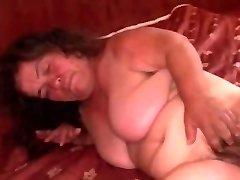 Babička Trpaslík BBW saugt und wird hart gefickt