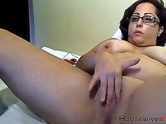 Booty granny bbc lover with sexy glasses masturbates
