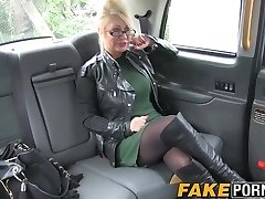 Blonde busty Cougar with glasses having hot unbelievable in taxi
