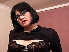 Tetovaný Chubby MILF Brýle - Dildo Play