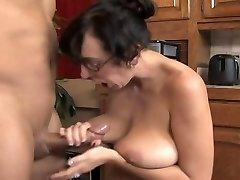 DangerCore Alia Janine Big-chested Blowjob