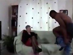 babička černá