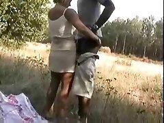 Blond Manželku, jak šuká s africkými na lesy