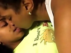2 Uber-cute Black Lesbians Make Out In Bed