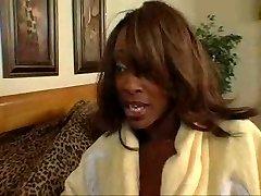 Black mature women tests her daughters-in-law boyfriend