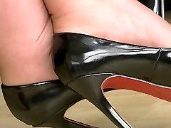 Black high heels 4