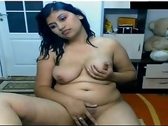 Super Hot Indian Girl Nude in Front of Cam Possing her Knockers & Frigging in Pussy Mms