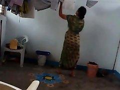 desi with hairy underarm wears saree after bath