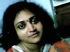 Housewife Aunty In Saree Opens Her Half-top And Taking Out Boos And Toying Mischievous With Other Dude