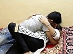 Sexy Jawan Bhabhi Funbags Sucked - HotShortFilms