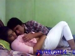 Big-boobed Desi Indian Innocent College Girlfriend Fucked by BF