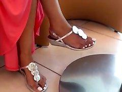 Candid flawless indian feet!