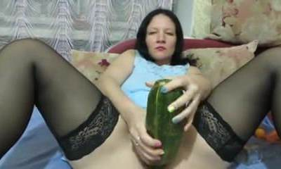 Inexperienced - Mature  Bottles Large Veggies & Going Knuckle Deep