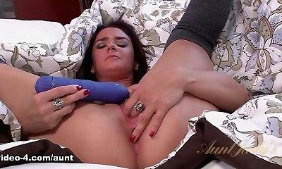 Sheena Ryder in Playthings Movie - AuntJudys