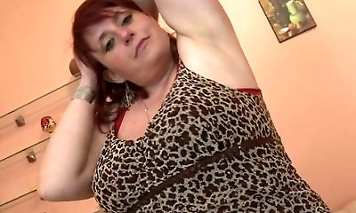 Big titted mature mommy needs a superb smash