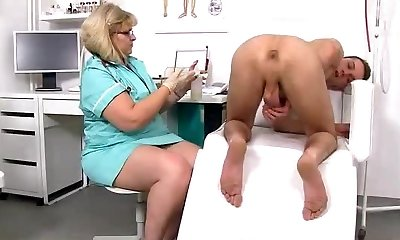 Skinny dude gets a handjob from good-sized cougar doctor Anna