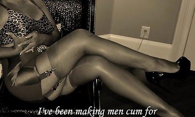 Mature Slut Teases in Retro Underwear (slideshow)