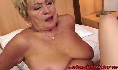 Curvy granny pussylicks tight beauty