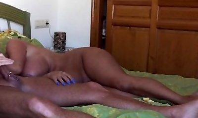 Cougar Bitch-Sheila beim Blasen