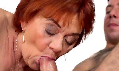 Fat granny gets suck off sex