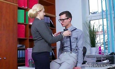 MOM Blonde meaty tits Milf sucks massive geek cock