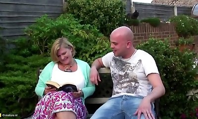 Obese mommy with big hungry vagina gets young cock