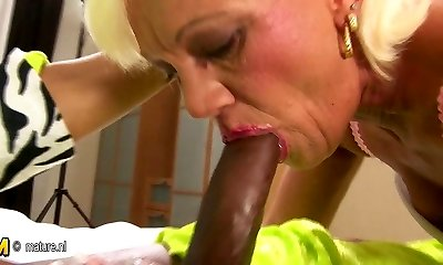 Hairy mature mother gets her aged twat filled with jizm