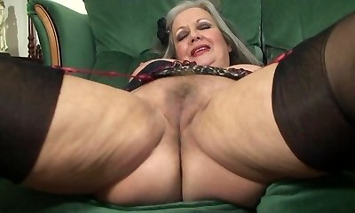 More Mature Cockslut April fucking pussy