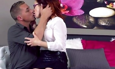 MOM Cougar lust in glasses and stocking