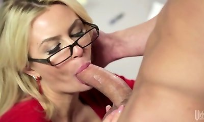 Blond mature in glasses Gigi Allens smashes a hot builder