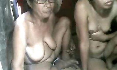 FILIPINA Grannie AND NOT HER GRANdaughter Displaying ON CAM