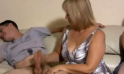Mother and daughter jacking two folks off